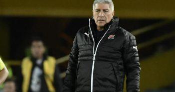 Octavio Zambrano ya no es 'poderoso': fue destituido de su cargo como técnico del Medellín.