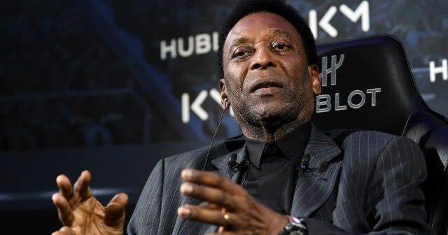 Pero sigue siendo el 'Rey': Pelé fue condecorado con la Orden del Honor del Fútbol Sudamericano.